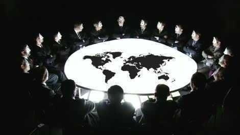 Paşi grăbiţi către Noua Ordine Mondială